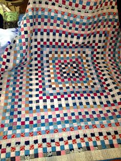 nifty quilts: Southern Comfort An antique quilt found at a shop