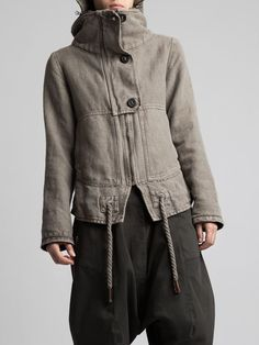 I like what's going on here w/ high collar plus hood Canada Goose Fashion, Boho Fashion, Fashion Outfits, Look Blazer, Barbour Jacket, Cotton Jacket, Mode Inspiration, Mode Style, What To Wear