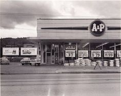 Vintage Johnstown: A & P - Morrellville.I spent many hours there helping my grandmother shop. Photo Vintage, Vintage Photos, Vintage Stuff, Vintage Ads, My Childhood Memories, Best Memories, Childhood Friends, Back In Time, Back In The Day