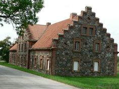 MMANOR HOUSES/LITHUANIA | ... houses in the neighborhood somehow complies with the manor buildings
