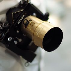 the reinvented petzval lens for digital and analogue nikon and canon mounts. Ostentatious as hell.