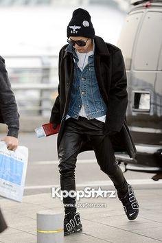 G-Dragon airport fashion #Kidol                                                                                                                                                                                 もっと見る