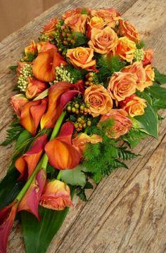 Wiazanki Source by lwwbw Funeral Floral Arrangements, Modern Floral Arrangements, Church Flower Arrangements, Rose Arrangements, Flower Centerpieces, Flower Decorations, Casket Flowers, Grave Flowers, Cemetery Flowers