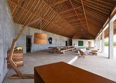 L'artiste mexicain Bosco Sodi a créé en 2014 la « Casa Wabi », une résidence d'artiste située sur la côte mexicaine. Cette organisation à but non lucratif a pour objectif de relier les artistes internationaux à la population locale à travers des projets artistiques et contemporains et de faire travailler les artisans locaux avec les artistes. C'est le studio d'architecture japonais Tadao Ando Architect and Associates qui a réalisé cette résidence composée de six villas, deux studios...