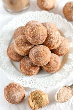 BAKED CINNAMON SUGAR DONUT HOLES Really nice recipes. Every #hashtag
