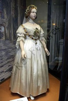 Queen Victoria's real wedding dress <3