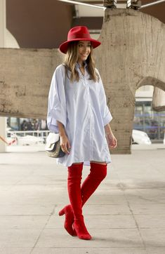 41 ideas for knee high boats outfit winter casual street style fall fashion Red Knee High Boots, Over The Knee Boot Outfit, Red Boots, Autumn Street Style, Casual Street Style, Sexy Stiefel, Botas Sexy, Casual Winter Outfits, Shoes