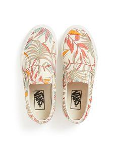 classic slip-on - california floral by vans - shoes - ban.do Source by laurenaritchie Shoes Vans Shoes Fashion, Vans Shoes Women, Custom Vans Shoes, Vans Men, Painted Vans, Painted Shoes, Sock Shoes, Shoe Boots, Women's Shoes