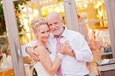 Melanie Homfray Fotografie & Videografie Blog #wedding #bride and bridefather #wedding germany berlin #seebad caputh wedding