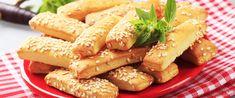 Puha stangli sajttal sütve – Rögtön dupla adagot készíts belőle - Receptek   Sóbors Hummus, Hot Dogs, Rum, Sausage, Food And Drink, Meat, Chicken, Ethnic Recipes, Minden
