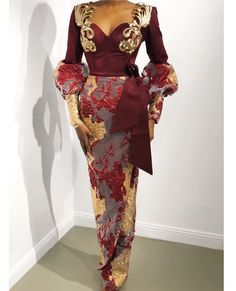 Adorable Asoebi Gowns to Rock - Vincisjournal African Wear Dresses, African Fashion Ankara, African Inspired Fashion, Latest African Fashion Dresses, African Print Fashion, African Wedding Attire, African Attire, Nigerian Bride, Nigerian Weddings