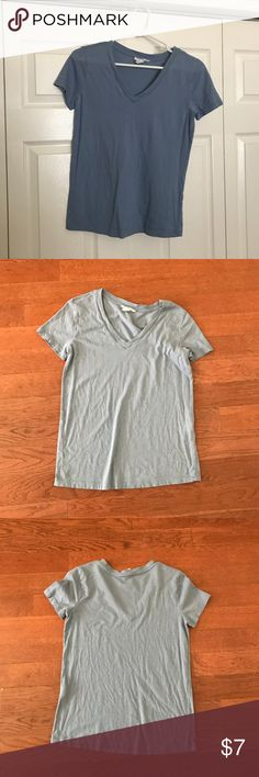 Basic Blue Forever 21 T-Shirt Basic Blue T-shirt needed for all closets perfect for lazy days. Barley worn.  Price can be discussed. Forever 21 Tops Tees - Short Sleeve