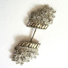 Silver Tone Rhinestone Basket of Flowers Hat Pin.