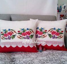 Cute Pillows, Bed Pillows, Cushions, Diy Cushion, Cushion Covers, Homemade Pillows, Sewing Pillows, Pillow Cases, Diy And Crafts