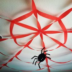 Spider Web Decoration on the Ceiling for Halloween! Originally it was Spiderman Birthday Party Ideas Decorations, but this works great for both! Superhero Birthday Party, 4th Birthday Parties, Birthday Fun, Fete Halloween, Halloween Birthday, Spirit Halloween, Fête Spider Man, Spider Webs, Giant Spider