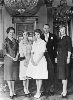 juliapgelardi:  Princess Anne-Marie of Denmark at her confirmation in the Danish Church, with her parents, King Frederick IX and Queen Ingrid of Denmark, and sisters, Princess Benedikte and Crown Princess Margrethe, 1961 (photo: Bettman Corbis)