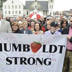 Members of the Humboldt community gathered in front of BancorpSouth on Friday morning to support employees with a