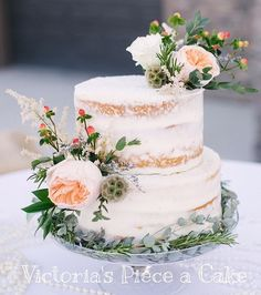 Nothing more gorgeous then a simple elegant naked cake. It's funny because we have been making naked cakes for years in my family and now they are all the rage! #nakedcake #victoriaspieceacake #gorgeousfloral