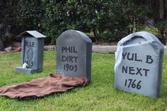 ***** Good directions & photos. JCN - Create hauntingly realistic 3D cardboard tombstones with very little effort or money. Your yard will be the talk of the town on Halloween!