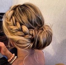 This is what Ive been waiting for! Definitely my hair styles tomorrow Junior Bridesmaid Hair Hair Ive Styles tomorrow waiting Side Bun Hairstyles, Pretty Hairstyles, Latest Hairstyles, Medium Hairstyles, Beach Hairstyles, Country Wedding Hairstyles, Semi Formal Hairstyles, Formal Updo, Simple Prom Hairstyles
