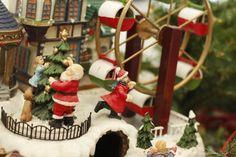 Mesa de Natal com Brinquedos Motorizados