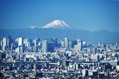 東京の高層ビル群と富士山 ∣ Tokyo cityscape & Mount Fuji | by Iyhon Chiu