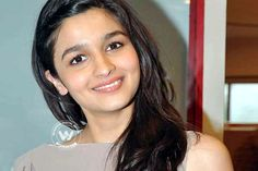 I am a very clumsy human being says #Alia........http://www.cinesprint.com/bollywood/cine-buzz/22-bollywood/405-i-am-a-very-clumsy-human-being-says-alia.html  Bollywood's latest sensation Alia Bhatt was seen walking the ramp confidently, in a lehenga weighing almost 20 kg, for ace designer Manish Malhotra's show at the Shree Raj Mahal Jewellers........