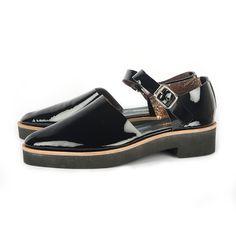 Sandalia Cerrada Negro - Comprar en Centrico - #TiendaNube