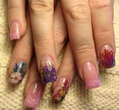 Interesting..... Using real flowers. Embedded Flowers Nail Art