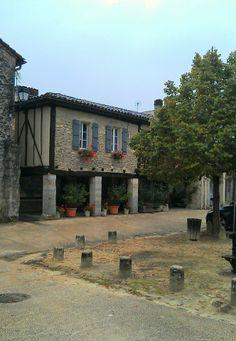Place de St Justin