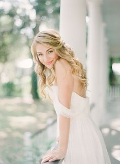 Hairstyles 2020 Trends 26 Apr 2020 - Heirloom Southern Belle Bridal Style by Anne Rhett Photography Bridal Portrait Poses, Bridal Poses, Bridal Photoshoot, Bride Portrait, Bridal Session, Bridal Shoot, Wedding Poses, Wedding Portraits, Wedding Bride