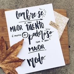 Então faça! #typespire #goodtype #thedailytype #thedesigntip #handlettering #lettering #typography #typeveryday #handmadefont #creativity #design #byalinealbino #frases #quotes #brushlettering