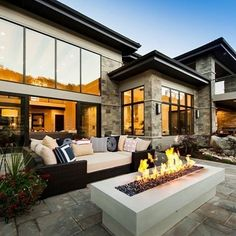 Modern architecture house design with minimalist style and luxury exterior and interior and using the perfect lighting style is inspiration for villas mansions penthouses Modern House Plans, Modern House Design, Home Design, Web Design, Home Decor Bedroom, Modern Bedroom, Open Concept Great Room, Large Family Rooms, Residential Architecture
