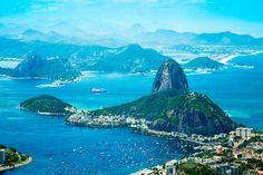 10 bonnes raisons de partir en vacances au Brésil  Enfilez sans plus attendre vos tongs Havaianas... Il vous manquait 10 raisons de vous envoler vers le Brésil ? Les voici !