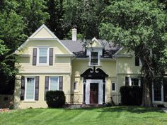 Oliver/Searle home began its life as a humble one-story