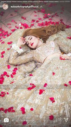 Asian Bridal Dresses, Pakistani Wedding Outfits, Indian Bridal Outfits, Pakistani Bridal Dresses, Pakistani Wedding Dresses, Wedding Dresses For Girls, Wedding Lehnga, Bridal Poses, Bridal Photoshoot