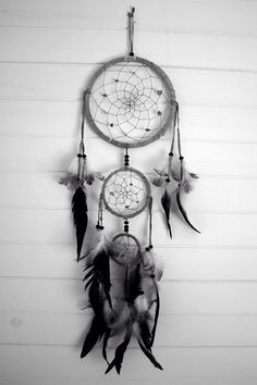 Dream catcher Bad Dreams, Sweet Dreams, The Dreamers, Beautiful Dream Catchers, Black Dream Catcher, Dream Catcher Tumblr, Small Dream Catcher, White Dreamcatcher, Dreamcatchers Diy