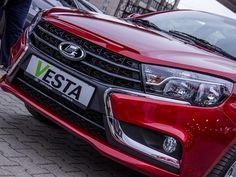 Exkluzív képgaléria a vadonatúj Lada Vesta hazai bemutatójáról - NYERD MEG TE AZ AUTÓT EGY HÉTVÉGÉRE!