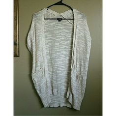Oversized Cocoon Shrug Like new Nollie Short sleeved Front pockets PacSun Sweaters Shrugs & Ponchos
