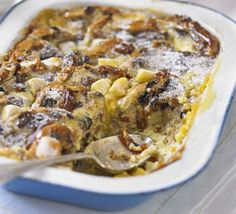 Hot cross bun & butter pudding This version crazy unhealthy . But inspiration? Bbc Good Food Recipes, Sweet Recipes, Cooking Recipes, Bbc Good Food Show, Delicious Desserts, Yummy Food, Fun Buns, Bread And Butter Pudding, Hot Cross Buns