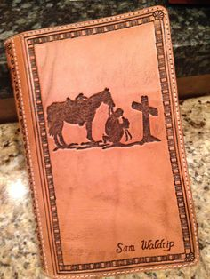 Custom Western Hand Tooled Bible Cover by NTexasLeatherwork Leather Bible Cover, Leather Book Covers, Leather Books, Leather Cover, Leather Projects, Leather Crafts, Sewing Leather, Leather Apron, Bible Cases