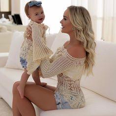 Tal mãe, tal filha: 35 looks de mãe e filha vestidas iguais para se inspirar