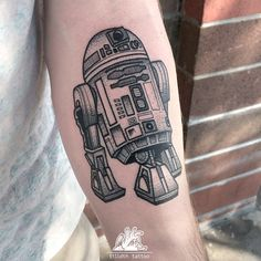 first one at @oldetymetattoo today ✌️ thank you bryan!! #r2d2 #tattoo #starwars…
