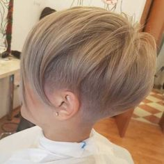 Latest short hairstyles with fine hair - hair peinados Latest Short Hairstyles, Short Pixie Haircuts, Hairstyles With Bangs, Hairstyles Pictures, Hairstyle Ideas, Short Straight Hairstyles, Edgy Pixie Hairstyles, Undercut Pixie, Haircut Short