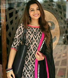 Anyone plz guide me where I can get this suit Salwar Neck Designs, Churidar Designs, Kurta Neck Design, Kurta Designs Women, Dress Neck Designs, Salwar Pattern, Kurta Patterns, Dress Patterns, Kurti Designs Party Wear