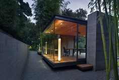 Glass Pavilion Tea Houses in California by Swatt|Miers Architects