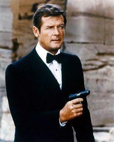 James Bond: Que tengas un mes perfecto! Feliz Cumpleanos.....