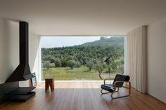 Aufrechte Dominanz - Wohnhaus in Portugal