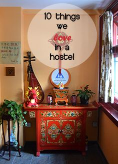 A good #hostel is important when you're on the road. These are some of the things we love in #hostels #travel