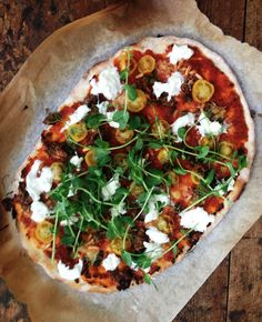 Nyhtökaura sopii hyvin pizzaan, jossa on maukas tomaattinen kastike.